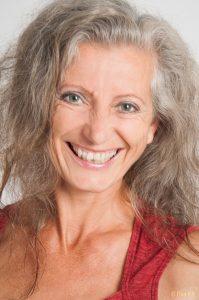 Open Wave  mit Gastlehrerin Eva Brunner @ Yoga Shala