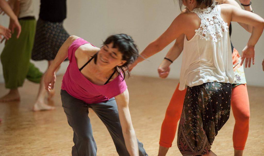 Tanzende in Aktion
